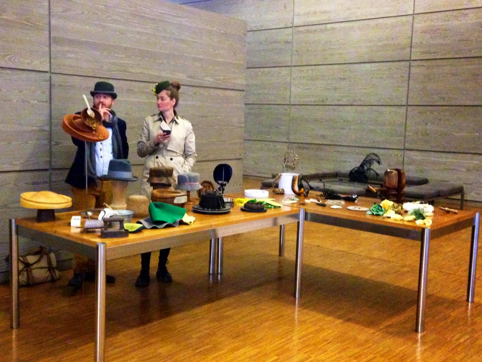 Utensilios empleados para la realización de sombreros a lo largo de la historia