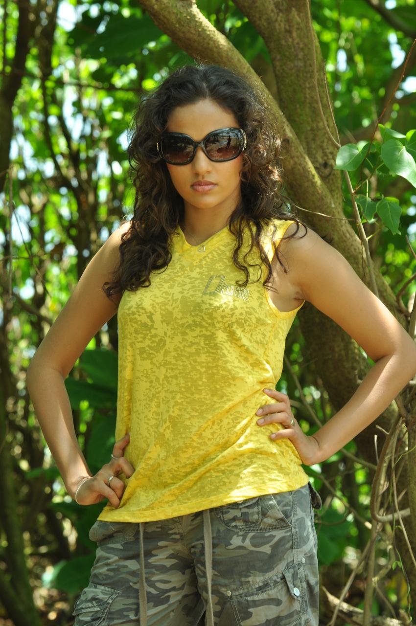 Gossip Lanka News | Hot Image: Udari Warnakulasooriya Hot