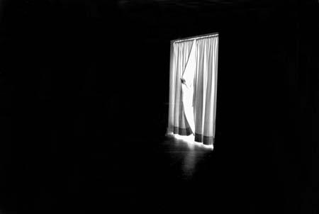 Poesie ed altro nel buio estremo homero aridjis for Camera da letto vittoriana buia