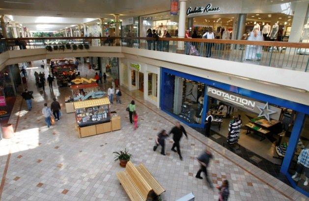 The baseball card snob garden state plaza transformation - The outlet collection jersey gardens ...