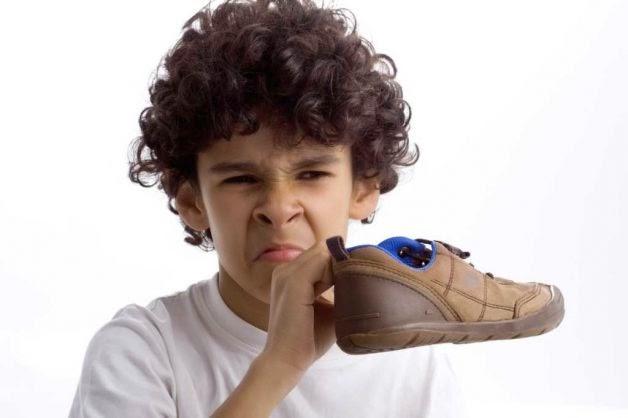 Cara Menghilangkan Bau Sepatu Yang Tidak Sedap