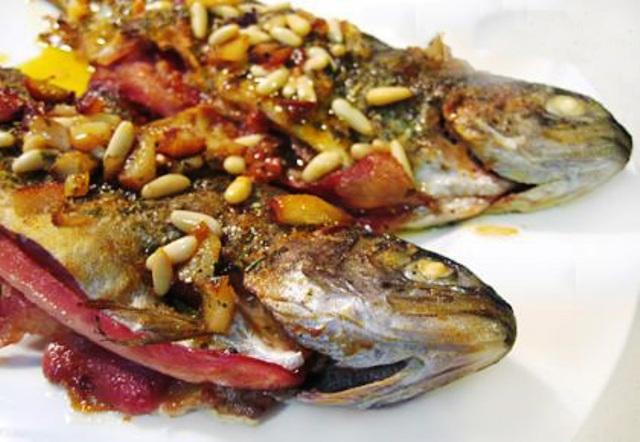 Pescados y mariscos truchas rellenas de jam n - Como cocinar la trucha ...