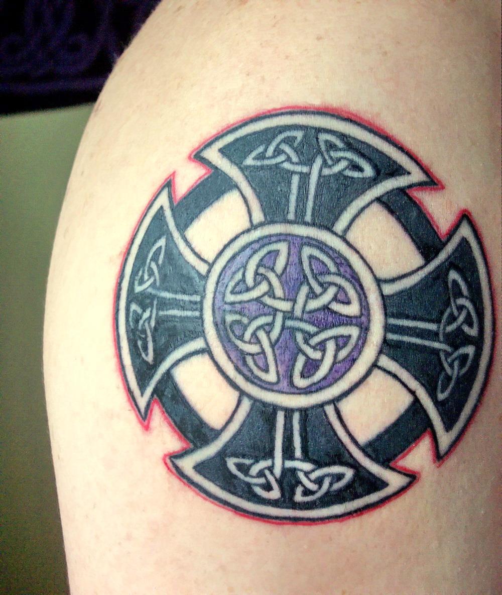 http://2.bp.blogspot.com/-rOOldgCq57Q/TrBQjY0kKfI/AAAAAAAAE10/YPnJjQQIngw/s1600/celtic-cross-tattoo-7.jpg