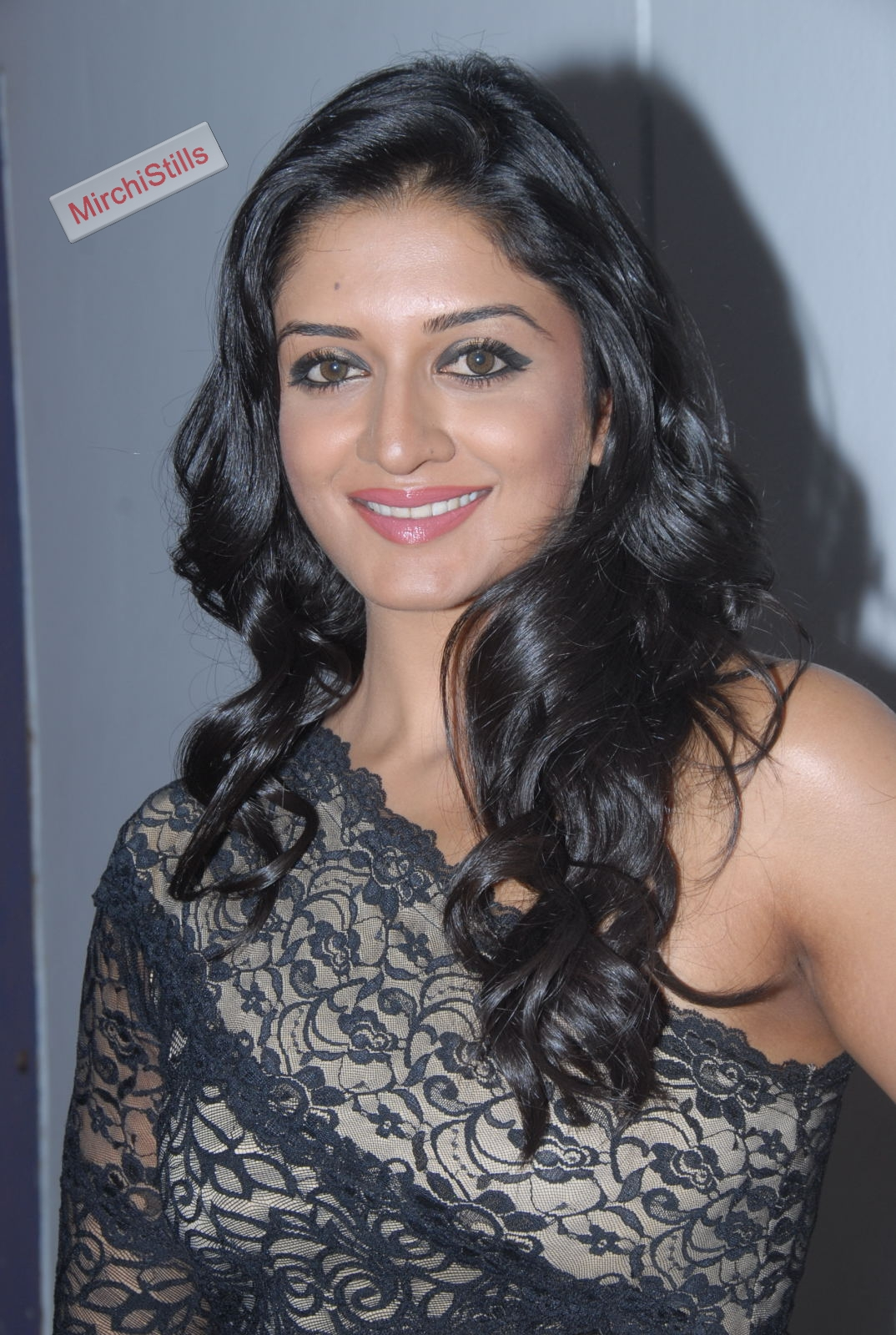 Vimala Raman WOW what Stunning Black Gown Lovely Beauty Must See (10)002.jpg