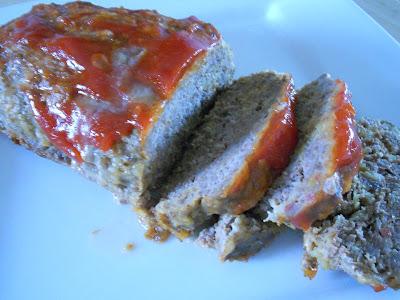 bacon cheeseburger meatloaf (sweetandsavoryfood.com)