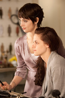 Alice Helping Bella Get Ready for the Wedding