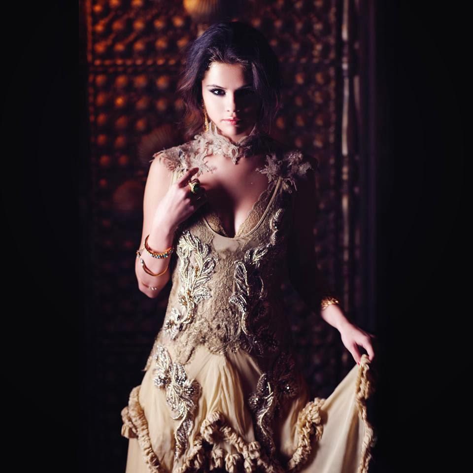 Selena gomez showing her virginia — 11