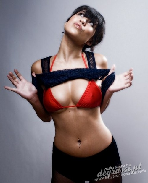 Cassie steele-bikini pictures
