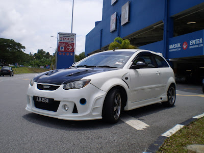 Modified Satria Neo R3 bodykit