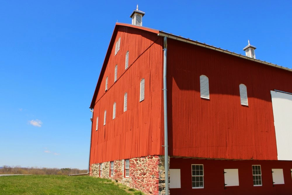 thomas farm loop barn at monocacy national battlefield