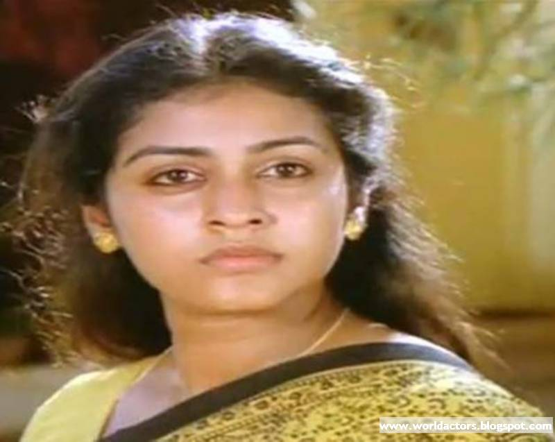 ... Actress Parvathy Jayaram Rare pictures Photo Gallery | World of Actors