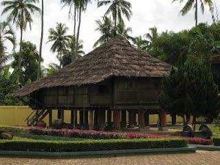 Rumah Adat Provinsi Lampung ( Nowou Sesat )
