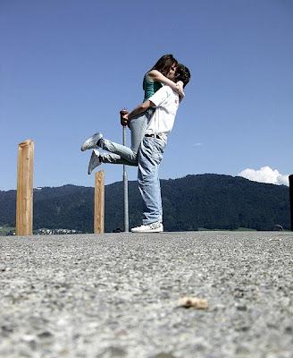urdu shayari couple picture
