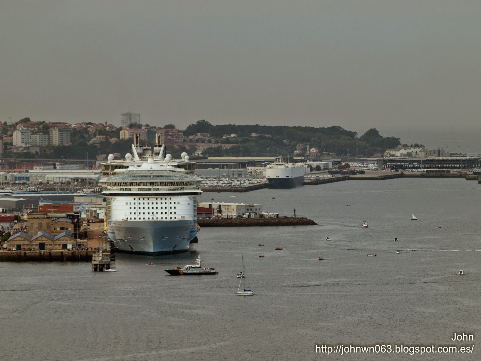 fotos de barcos, imagenes de barcos, oasis of the seas, royal caribbean, vigo