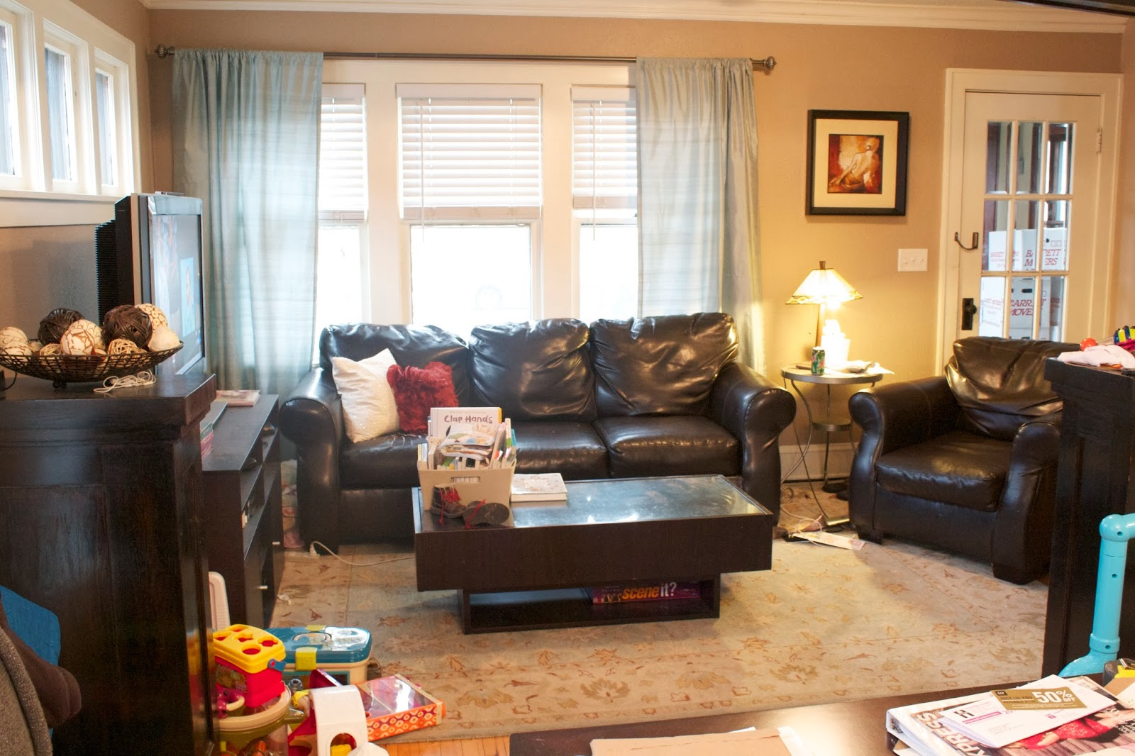 In a woman 39 s world living room makeover for Living room realty