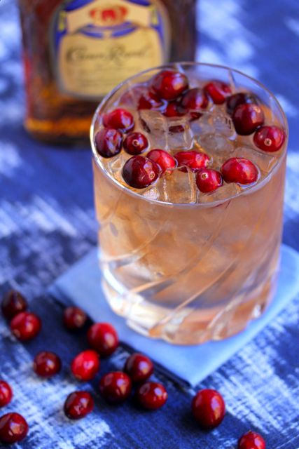beautiful cranberry whiskey cocktail