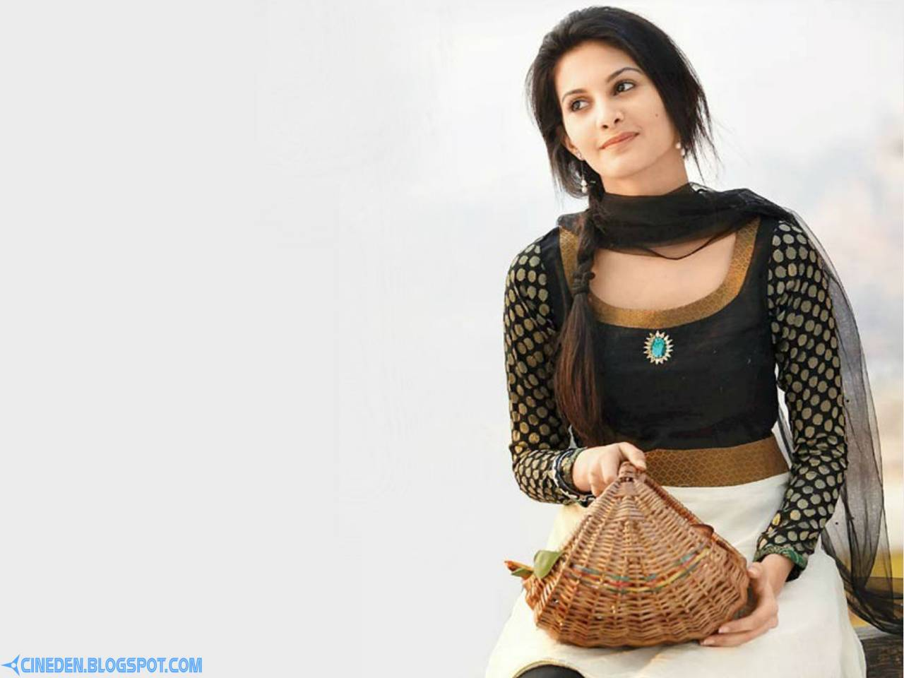 I always knew I'd be in Bollywood: Amyra Dastur - CineDen
