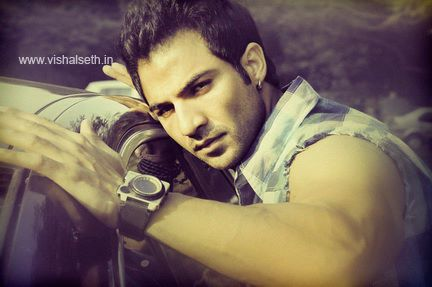 Shirtless Bollywood Men: Mohammad Naazim