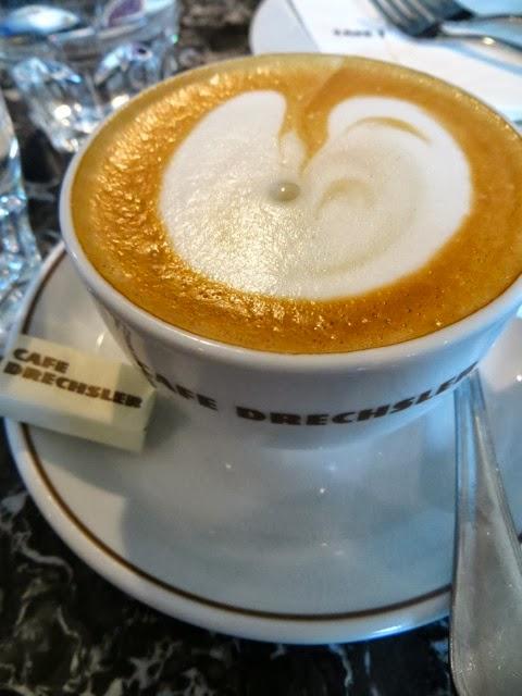 Neulich im Kaffeehaus (8): Café Drechsler  neulich als ...