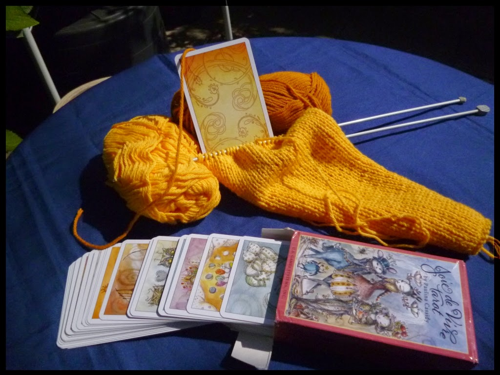 Knit Pattern Tarot Bag : Greyladys Hearth: Ive finished knitting my tarot bag