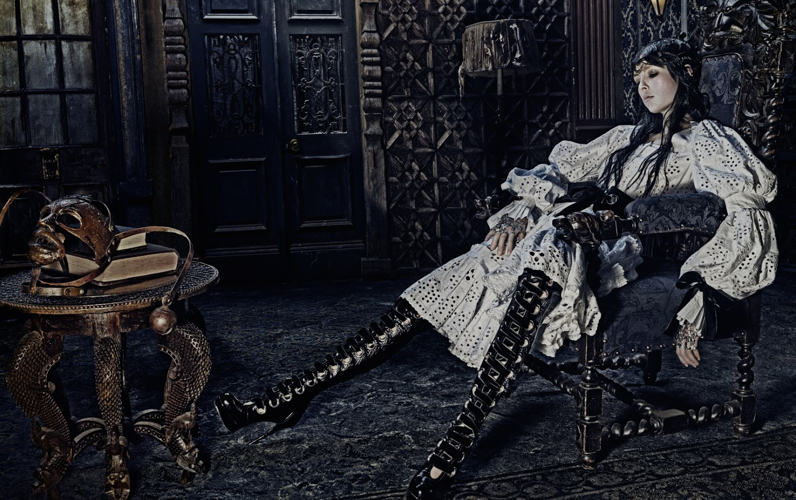 Ad Campaign: Alexander McQueen F/W 2014.15: Edie Campbell ...