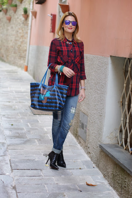 Zara tartan shirt, Marc by Marc Jacobs tote, Fashion and Cookies, fashion blogger
