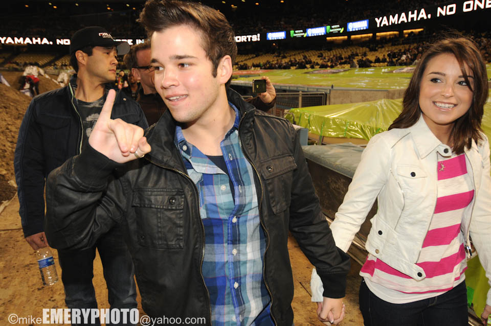 Nathan kress girlfriend madisen hill