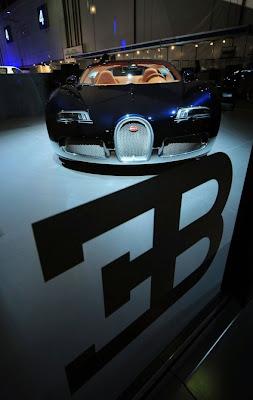 2010-Bugatti-Grand-Sport-Soleil-de-Nuit-Front-View--Auto-car