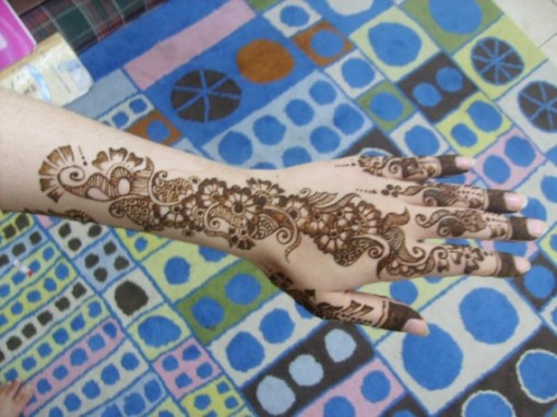 Mehndi designs Eid ul fitar 2011 1 e1313594007134 Mehndi For Eid Day