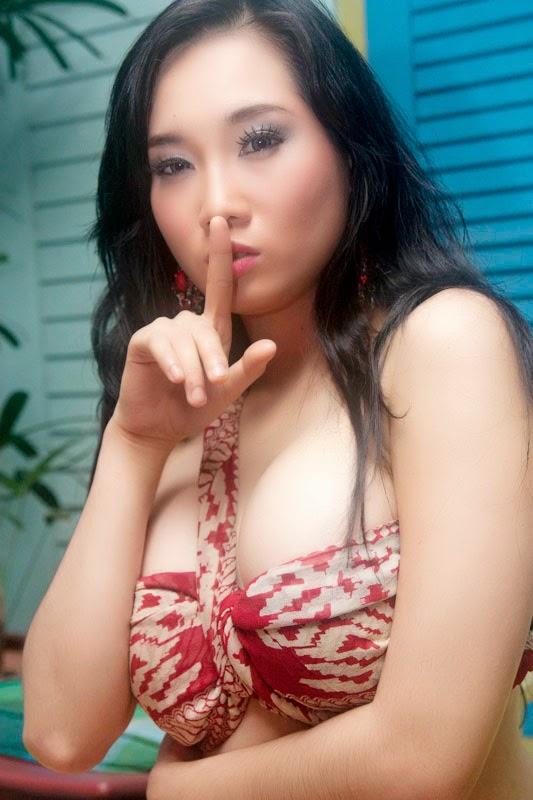 virly virginia spesial foto galeri seksi model   zona