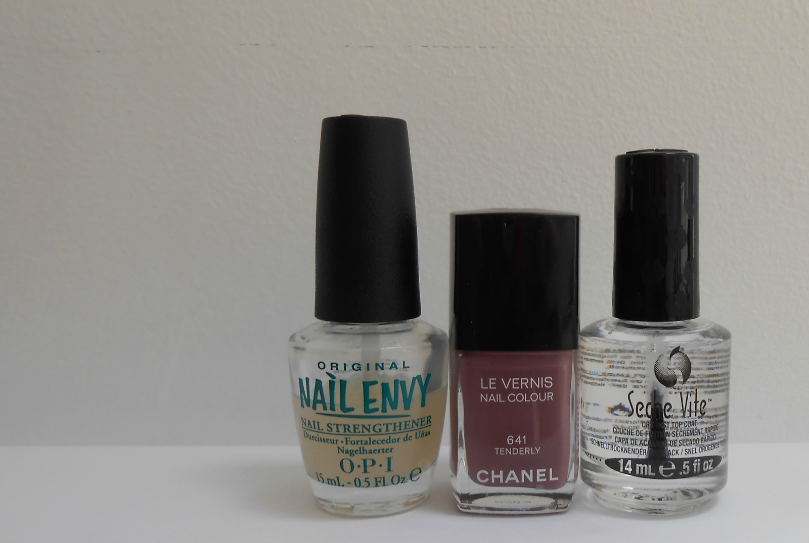 chanel tenderly manicure