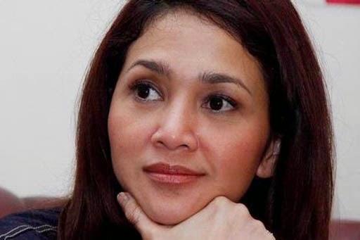 6 Artis Wanita Indonesia yang Galau Soal Nama Belakang Usai Bercerai