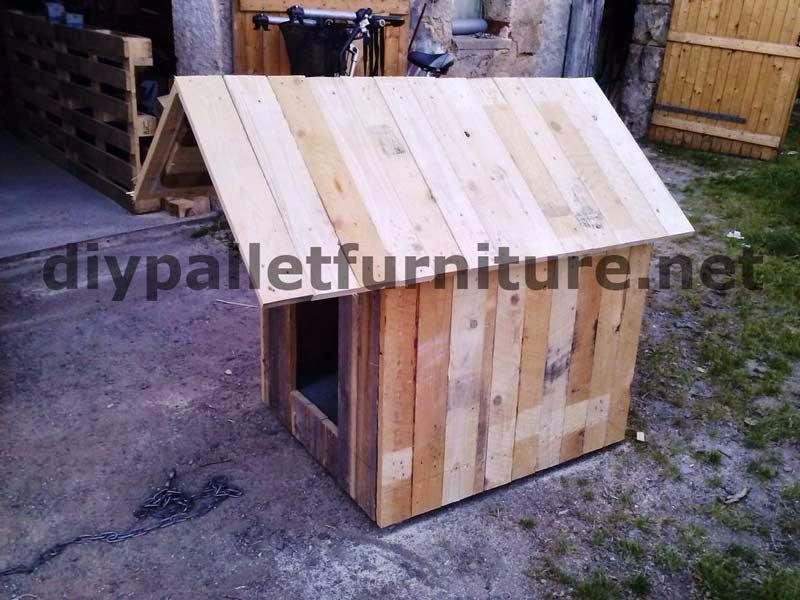 Ideas para reutilizar palets taringa - Casa de perro con palets ...