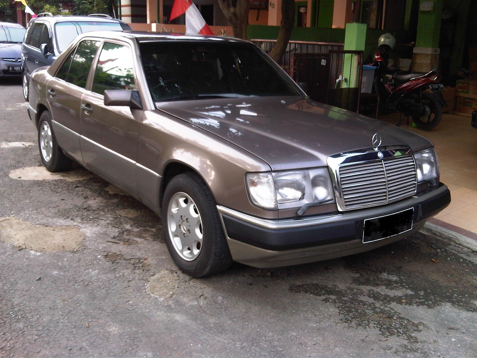 Mercedes benz 300e for Mercedes benz 300e parts