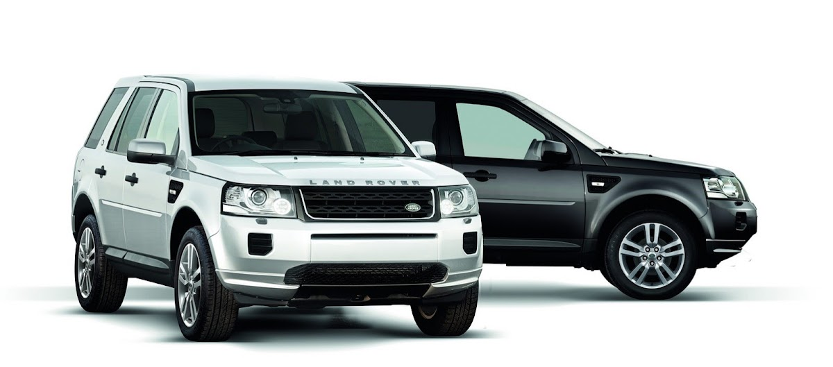 2013 Land Rover Freelander Black & White