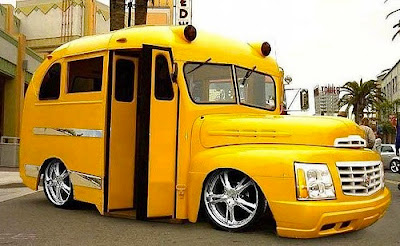 Yellow School Buse Seen On www.coolpicturegallery.us