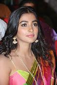 Pooja hegde glamorous photos-thumbnail-9