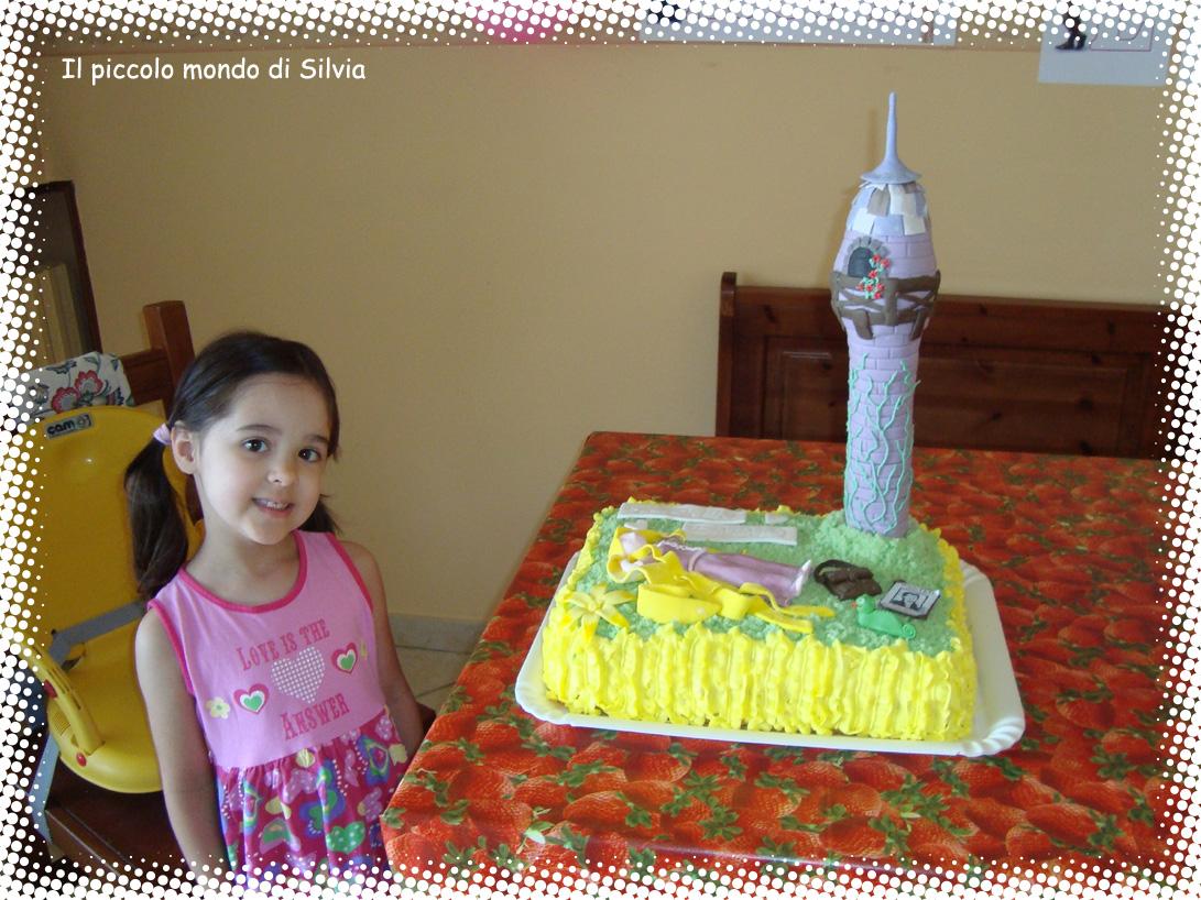 Super Il piccolo mondo di Silvia: Torta di compleanno: Rapunzel AJ51