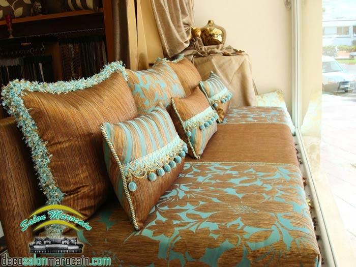 Salon marocain marron turquoise haute tissu