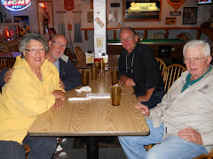 Phyllis & Larry (LARK), Tim (CUTLASS) and Fred at the Hurricane Grill.