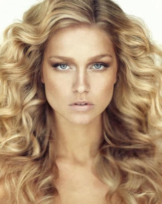 Renae Ayris Miss Universe Australia 2012 winner