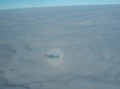 Siap-siap Lihat Fenomena Aneh Ini Saat Naik Pesawat