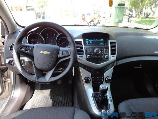 Chevrolet Cruze LT Mecânico - interior