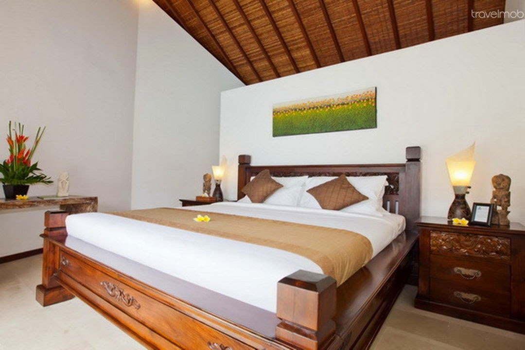 GREAT Location! 3BR Seminyak Villa - room