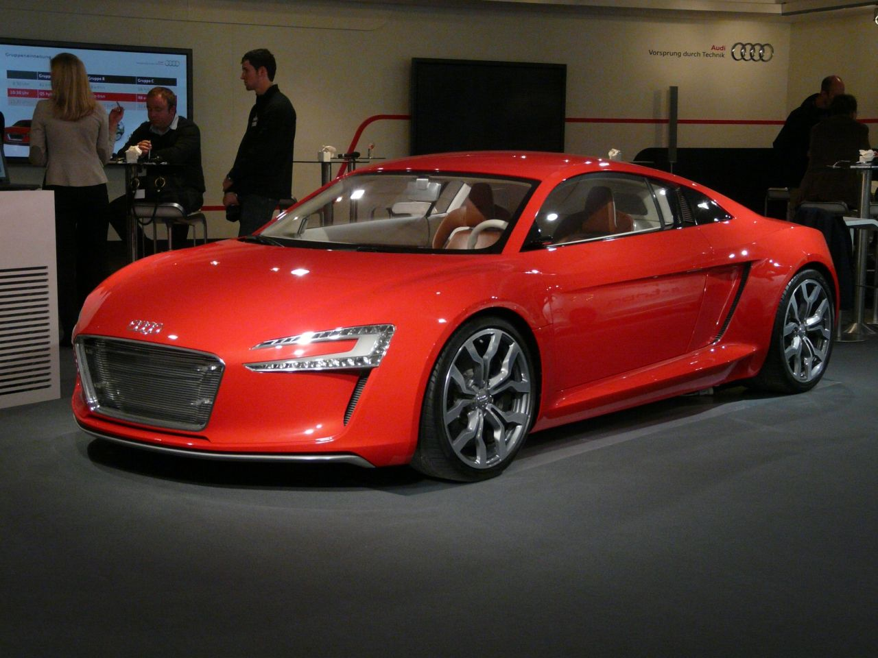 2013 audi r8 e tron not for production car information news reviews videos photos. Black Bedroom Furniture Sets. Home Design Ideas