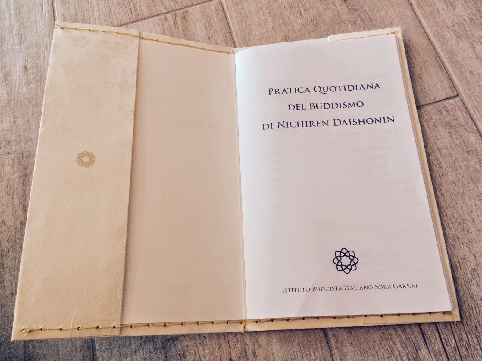 Le creazioni di Giulia: Porta libretto di Gongyo con carta ...