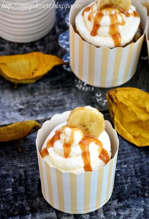 Cupcakes cu banane si caramel