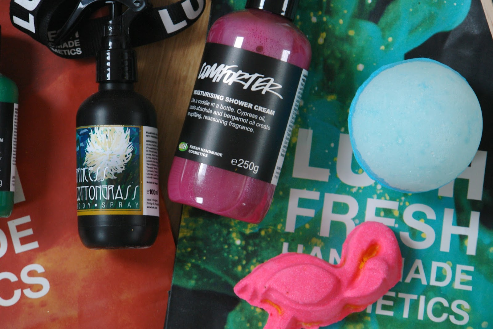 LUSH Oxford Street store exclusive products, Comforter Moisturising Shower Cream, Ginger Buttercup, Windmills, Little Dragons, Lotus Flowers, Frozen, Milk Bottles, Sticky Banana, LUSH, Damaged hot oil treatment, Eye Jewels, beauty, blogger, UK blog, LUSH eye jeweles