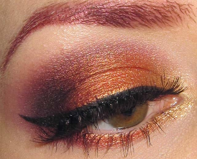 Glitter Crack Desert Sunset Eye Makeup Look