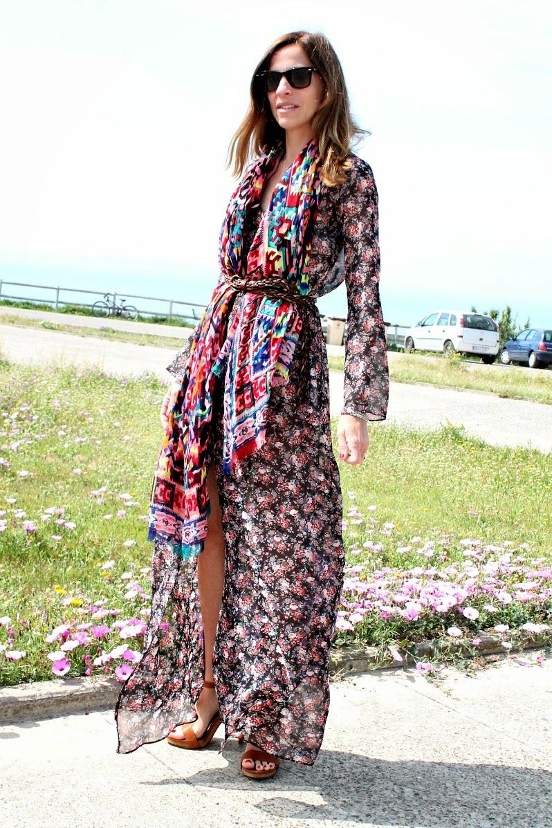 Vestidos largos de flores en zara